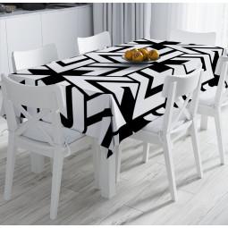 Покривка за маса - Триъгълници в черно и бяло