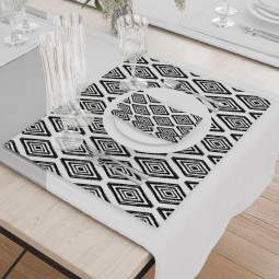 Set - Place Mats + Cloth Napkin - Black and white